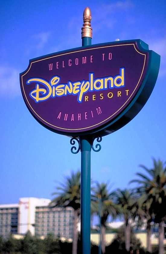 Marc Charles Reviews Business Opportunities Disneyland Anaheim Disneyland California Disneyland Resort