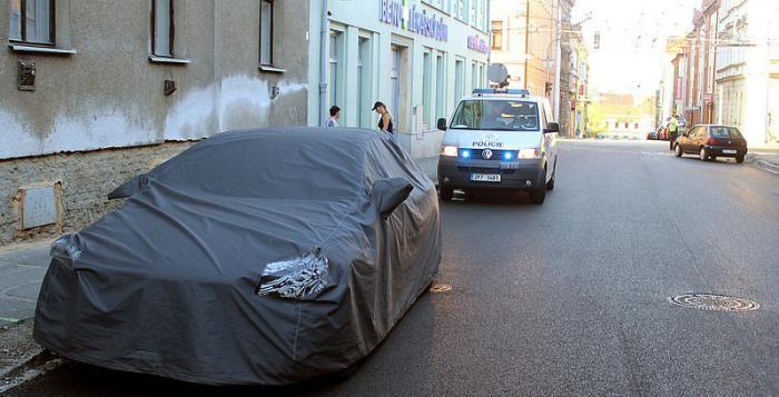 Slavný Mercedes, testovaný už několik měsíců v Plzni opět boural