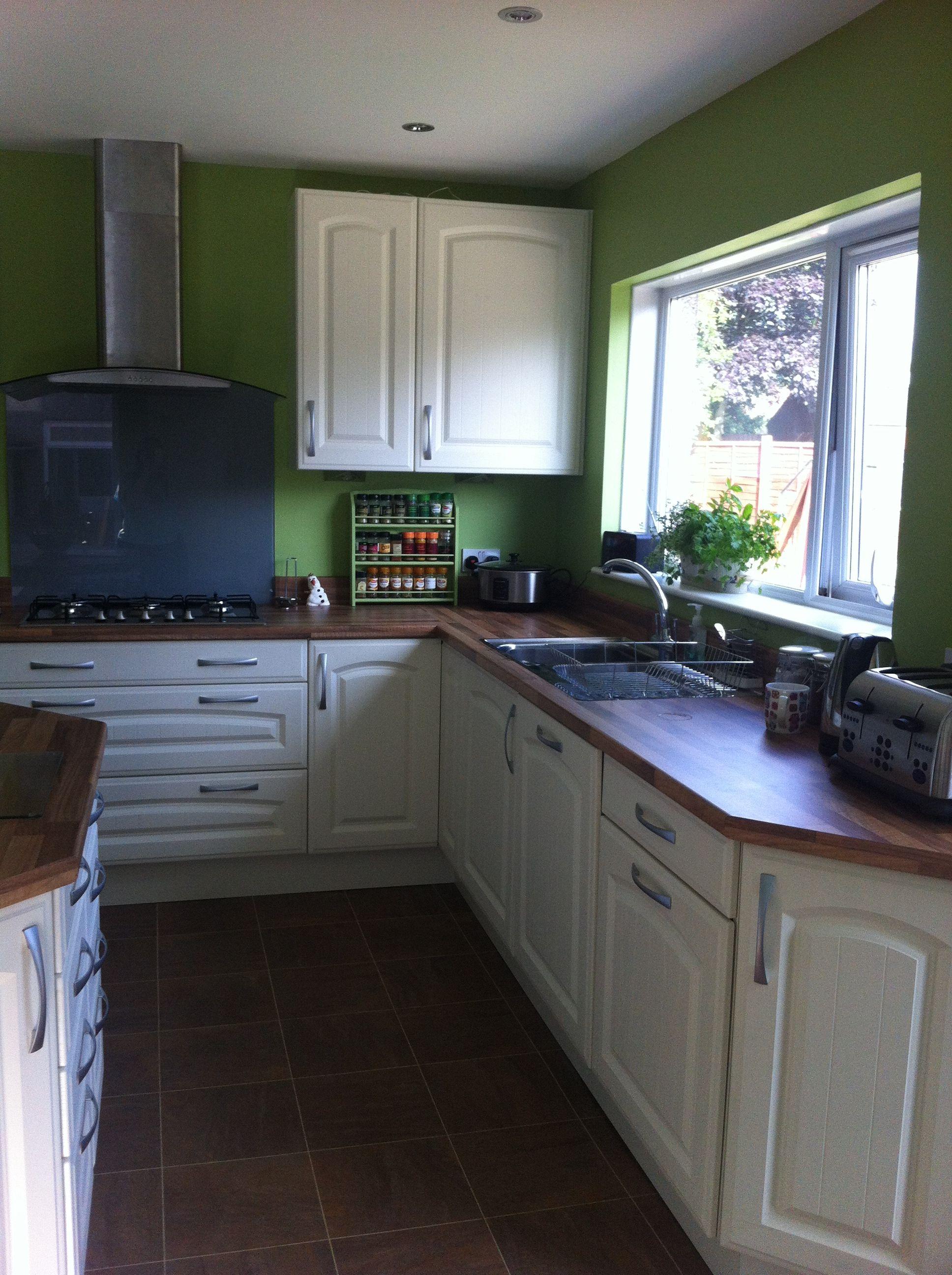 My Kitchen by Esk Kitchens Montrose, units ByBa, Olive