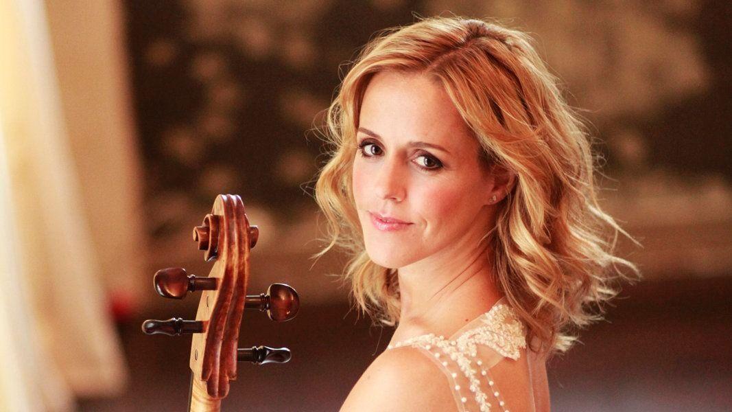 Konzerte Des Ndr Elbphilharmonie Orchesters Classical Musicians Photo Sessions Beautiful