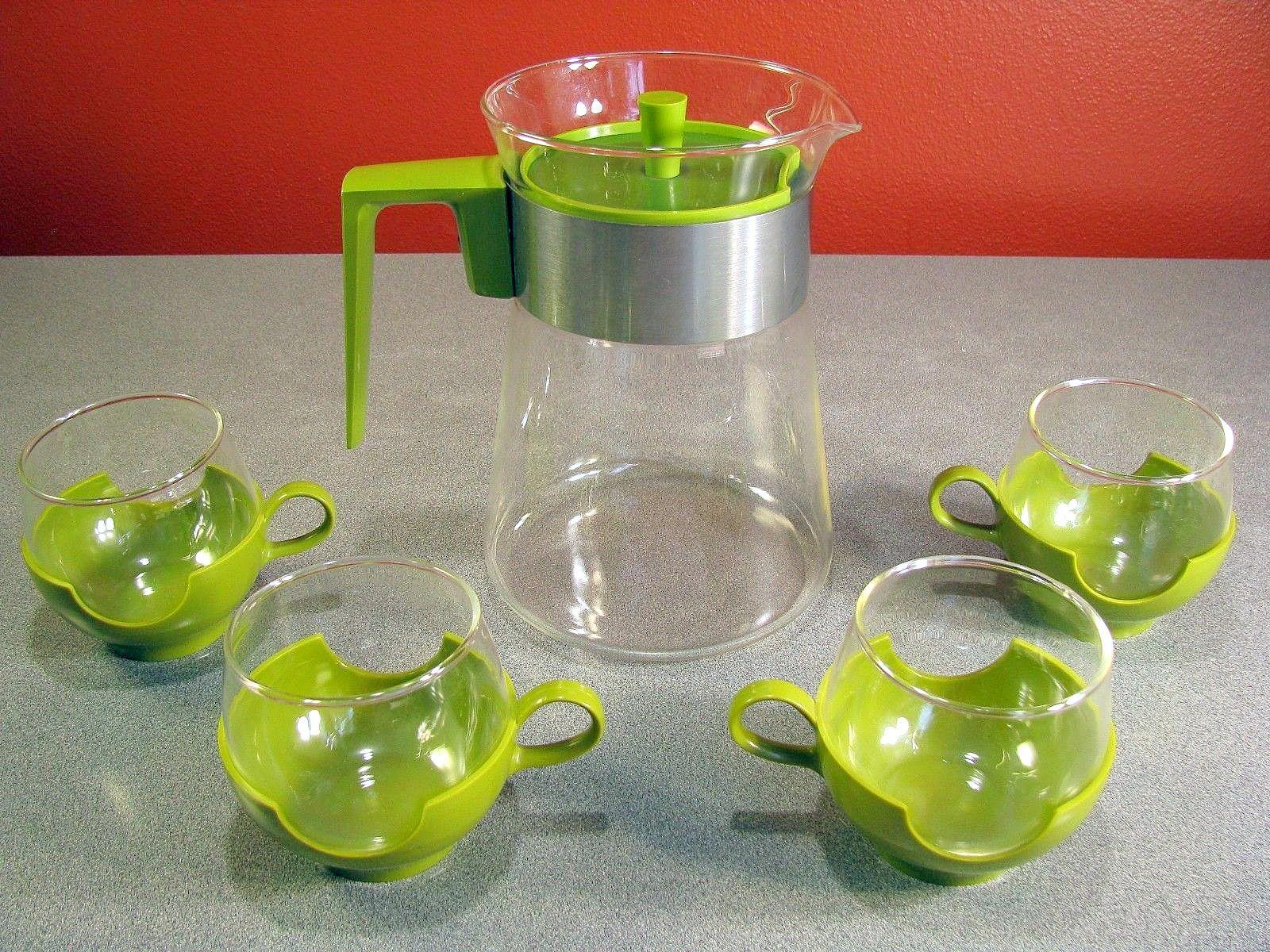 Vintage Pyrex Coffee Carafe and Coffee Mugs Pyrex
