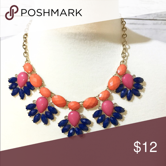 🎀Statement Necklace🎀 Beautiful statement necklace from Banana Republic the colors are orange, pink, and navy blue. Banana Republic Jewelry Necklaces