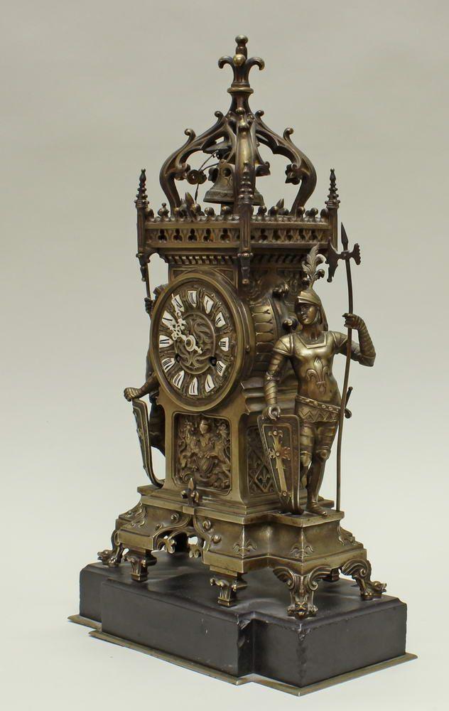 Kaminuhr Um 1880 Messing Gehause Mit Zwei Flankierenden Ritterfiguren Schwarzer Marmorsockel Z Stand Wand Tischuhren Antique Clocks Clock Antiques