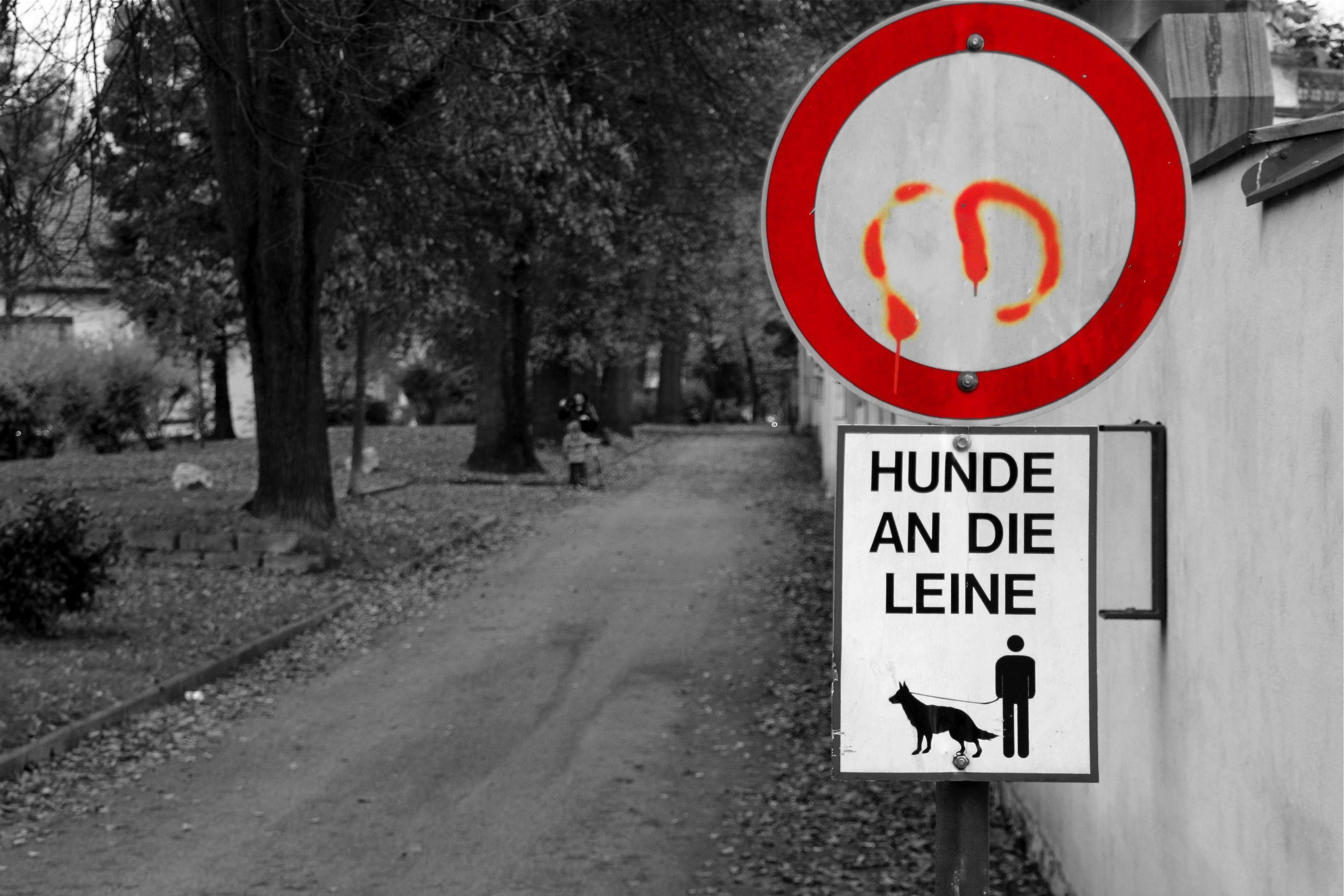Schilder sorgen für Ordnung.