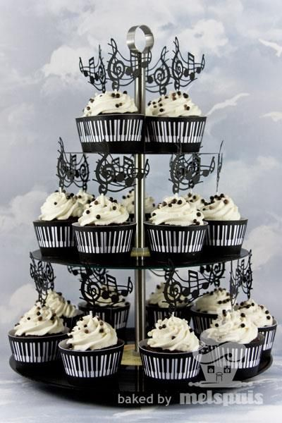 piano music notes cupcakes pi ce montee gateau. Black Bedroom Furniture Sets. Home Design Ideas