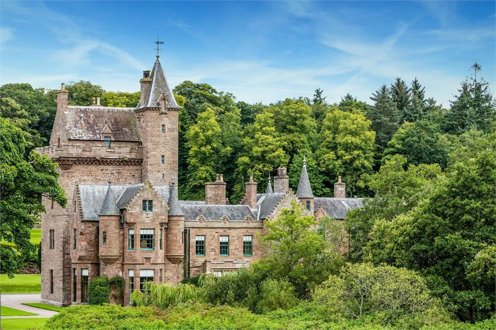 Guthrie Castle is the most ideal venue