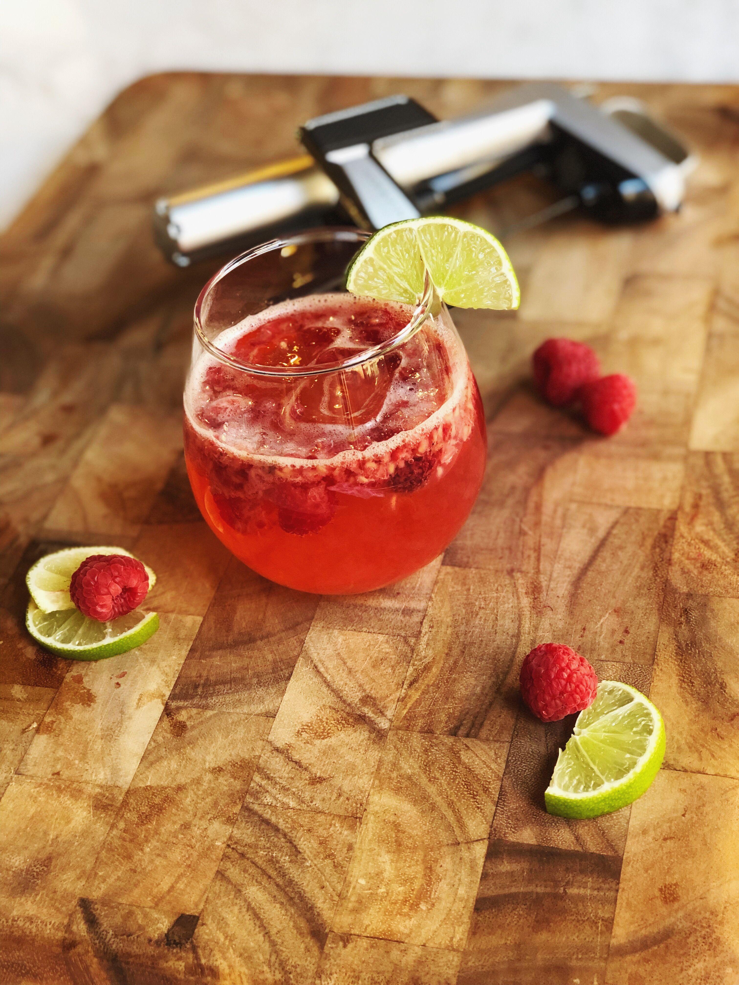 Skinny Raspberry And White Wine Spritzer Raspberry Balsamic Wine Spritzer Raspberry Vinegar Recipes