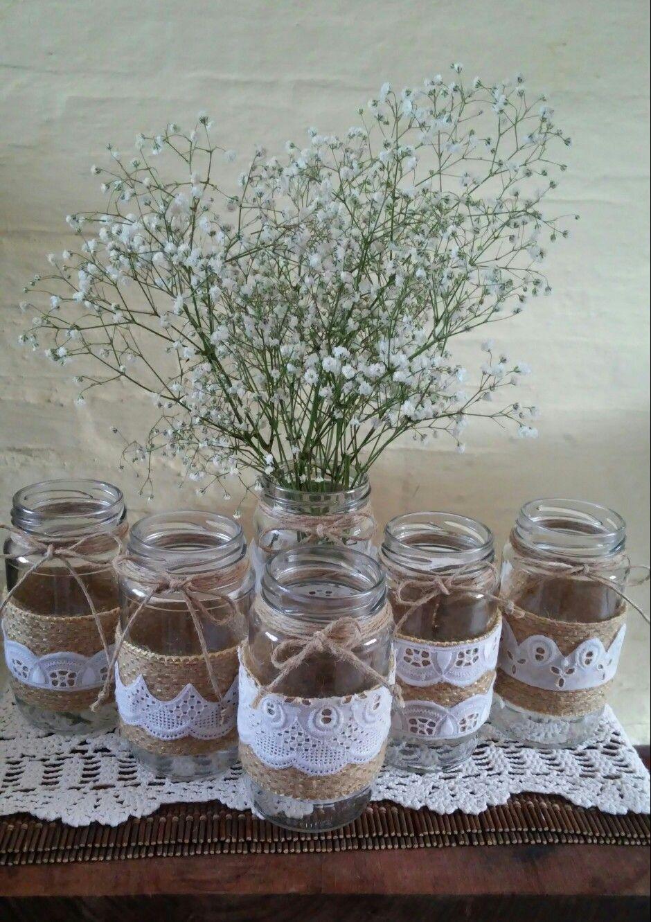 Centros de mesa floreros hechos con frascos de vidrio for Mesa vidrio