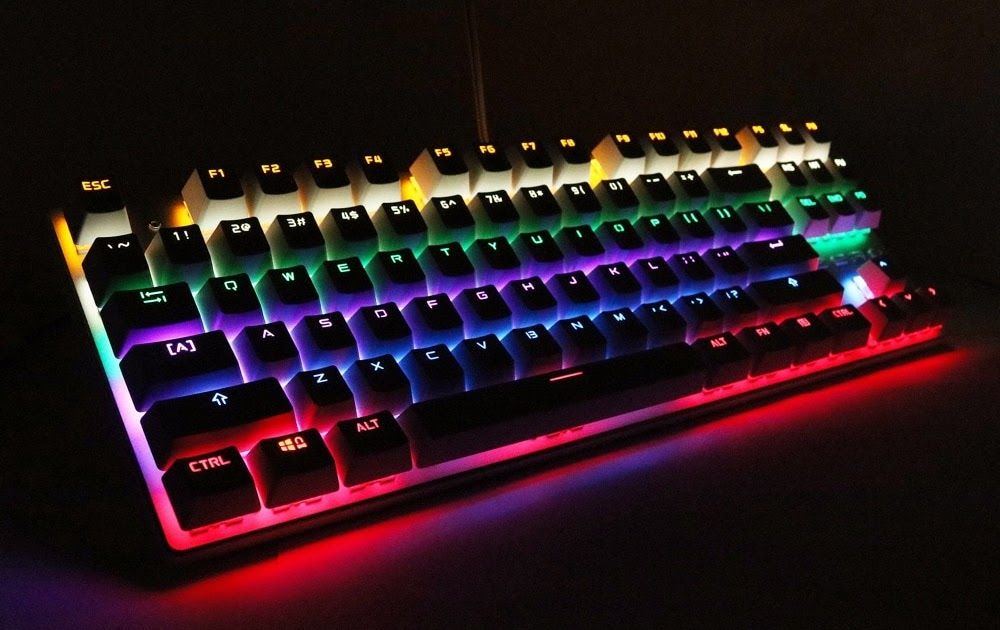 7d1c173c16b SALE Metoo Gaming Mechanical Keyboard 87/104 Anti-ghosting Luminous Blue  Red Black Switch Backlit LED wired Keyboard Russian sticker