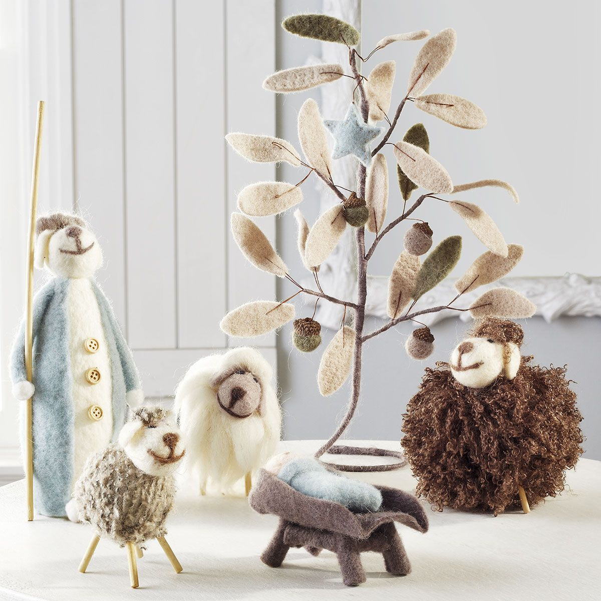 A Baaah-by is Born Felt Nativity from Wisteria. This is so stinkin adorable! I would love to make a nativity for kids in this style.