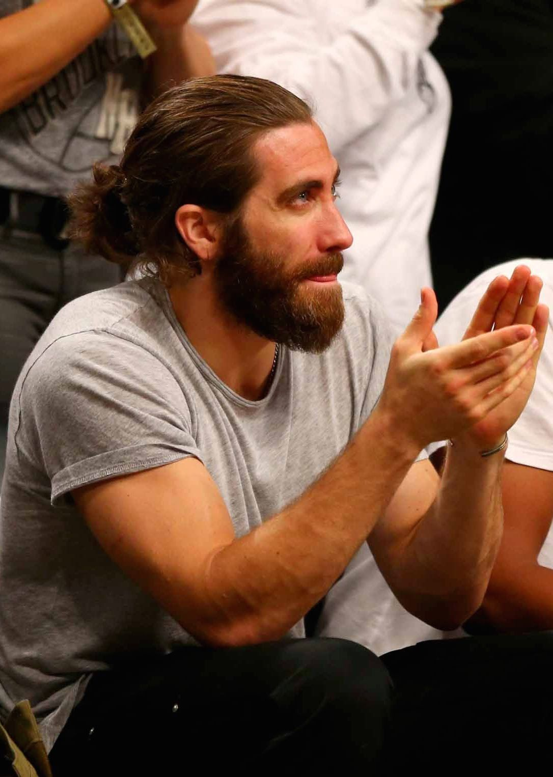 Bussykween Atorrez1 Jake Gyllenhaal Beard Jake Gyllenhaal Man Bun