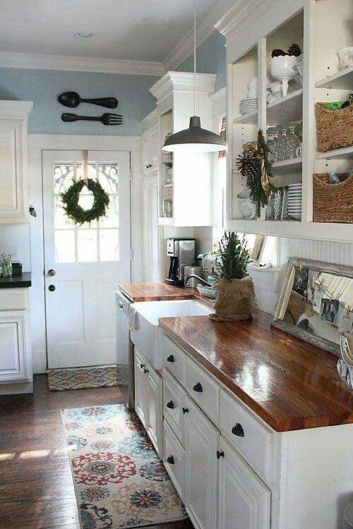 I M Liking This Kitchen Counters Color With Persian Rug Small Cottage Kitchen Rustic Farmhouse Kitchen Cottage Kitchens