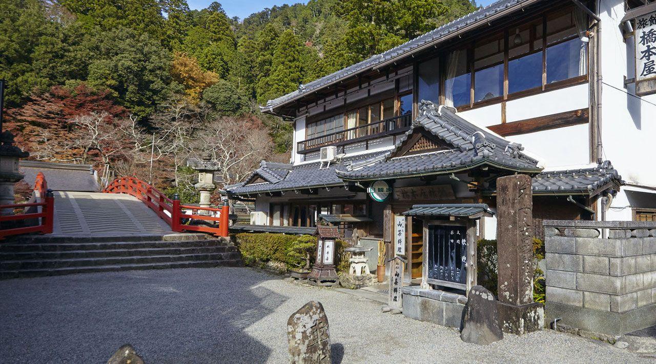 旅館 橋本屋、宇陀市室生寺門前 Nara | japan inns in 2019 | House styles ...