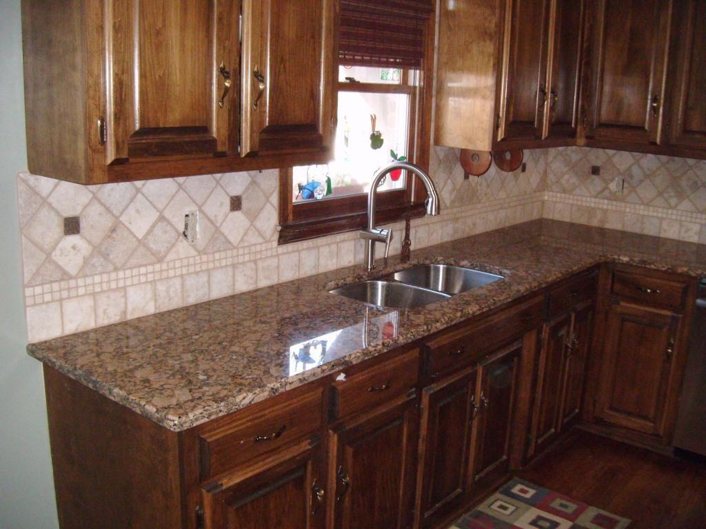 foto de giallo vitoria granite Google Search Kitchen Counter Pinterest Vitoria Granite and Kitchens