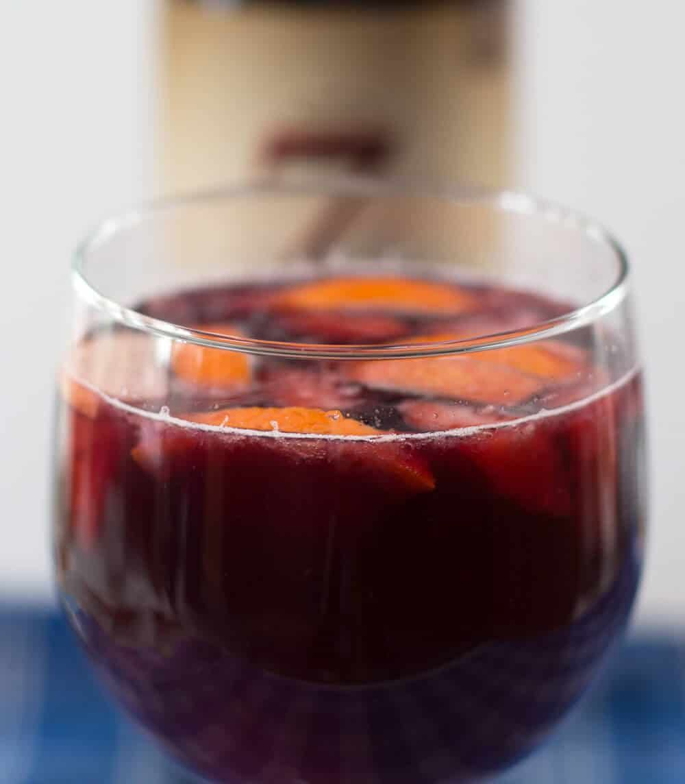 Red Wine Single Serve Sangria A Perfect And Simple Way To Enjoy Warm Weather Mother Would Kn In 2020 Sangria Recipes Red Wine Sangria Single Serving Sangria Recipe