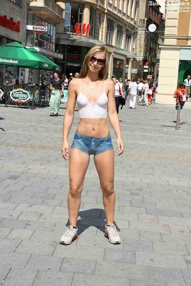 Art nude in public