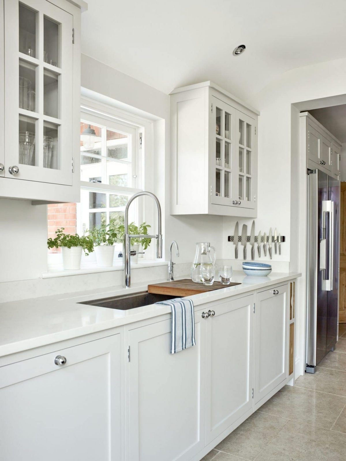 Warfield Berkshire Framed Painted Shaker Kitchen In 2020 Shaker Kitchen Kitchen Paint Shakers