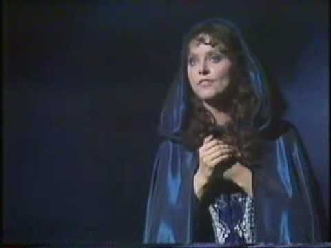 Sarah Brightman - Wishing You Were Somehow Here Again - Live at the Royal Variety