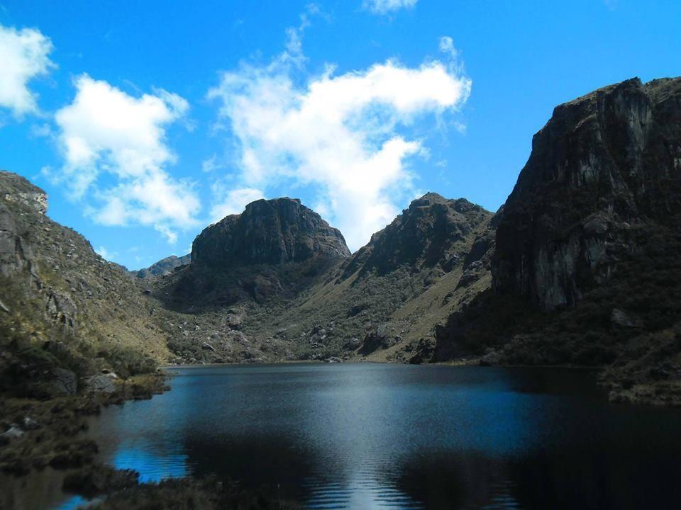 Laguna de Las Iglesias en el Páramo de Los Conejos en la sierra norte del Estado Mérida en Venezuela