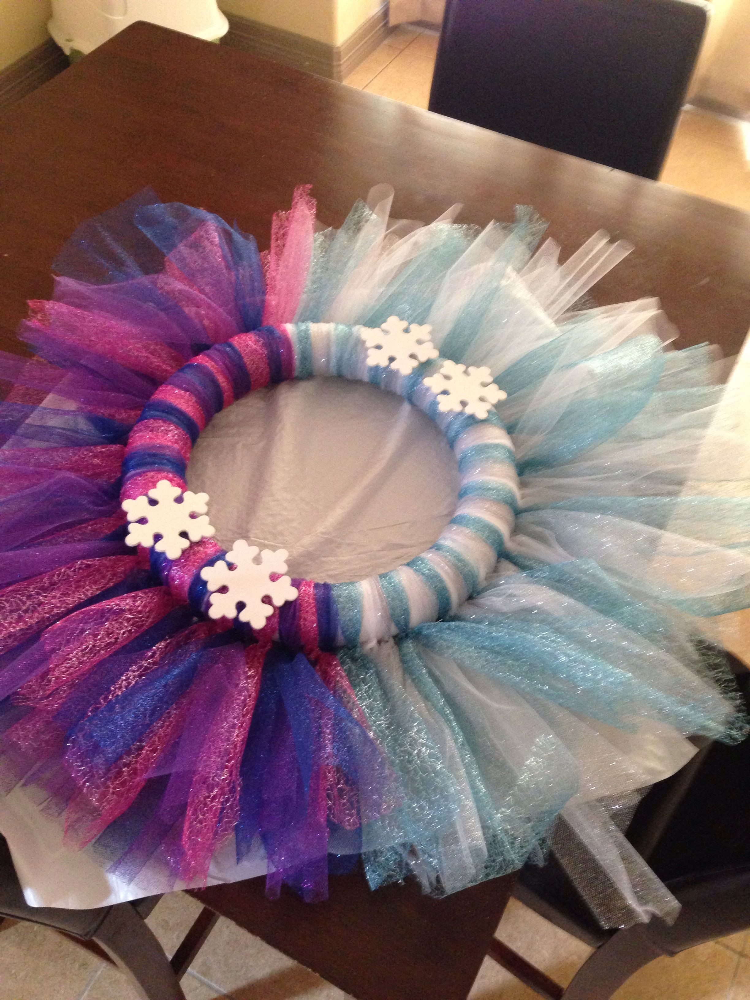 Kinderzimmer Eiskönigin Kinleys Anna Elsa Wreath Frozen Party Pinterest