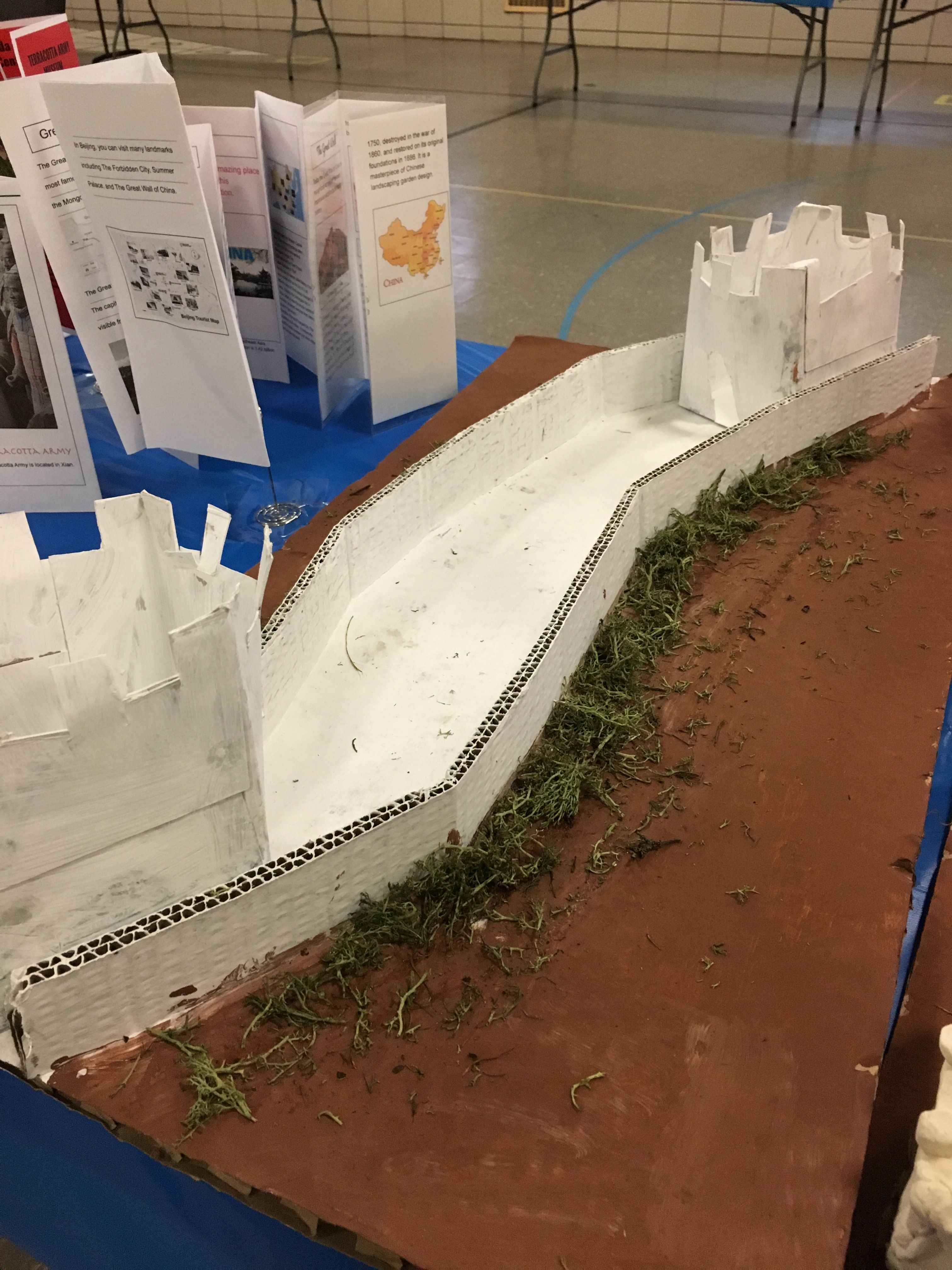 the great wall of china in cardboard great wall of china on great wall id=14828