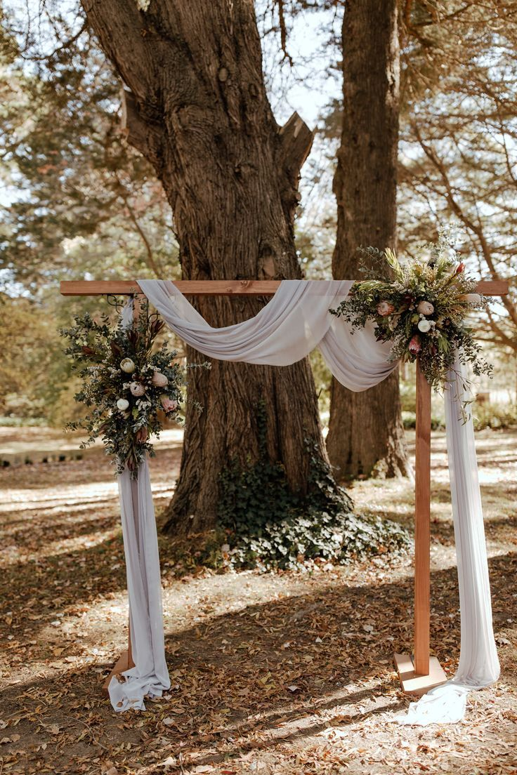 Fine Elizabeth & Matt's Gorgeous Boho Inspired Wedding At Montrose Berry Farm -