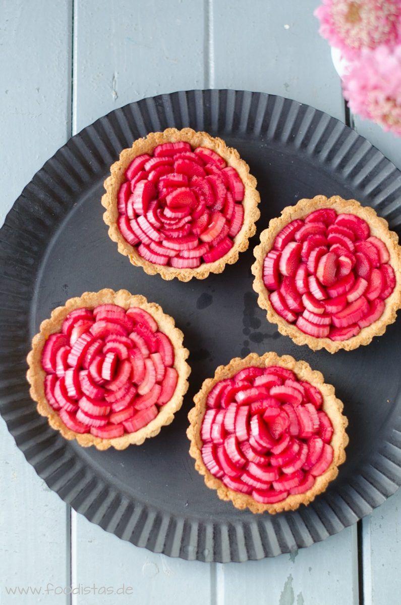 Pochierte Rhabarbertartelettes Murbeteig Rezept Dessert Ideen Rhabarber