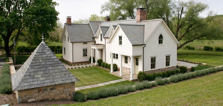 Farmhouse landscape white farmhouse american farmhouse for American farmhouse style architecture