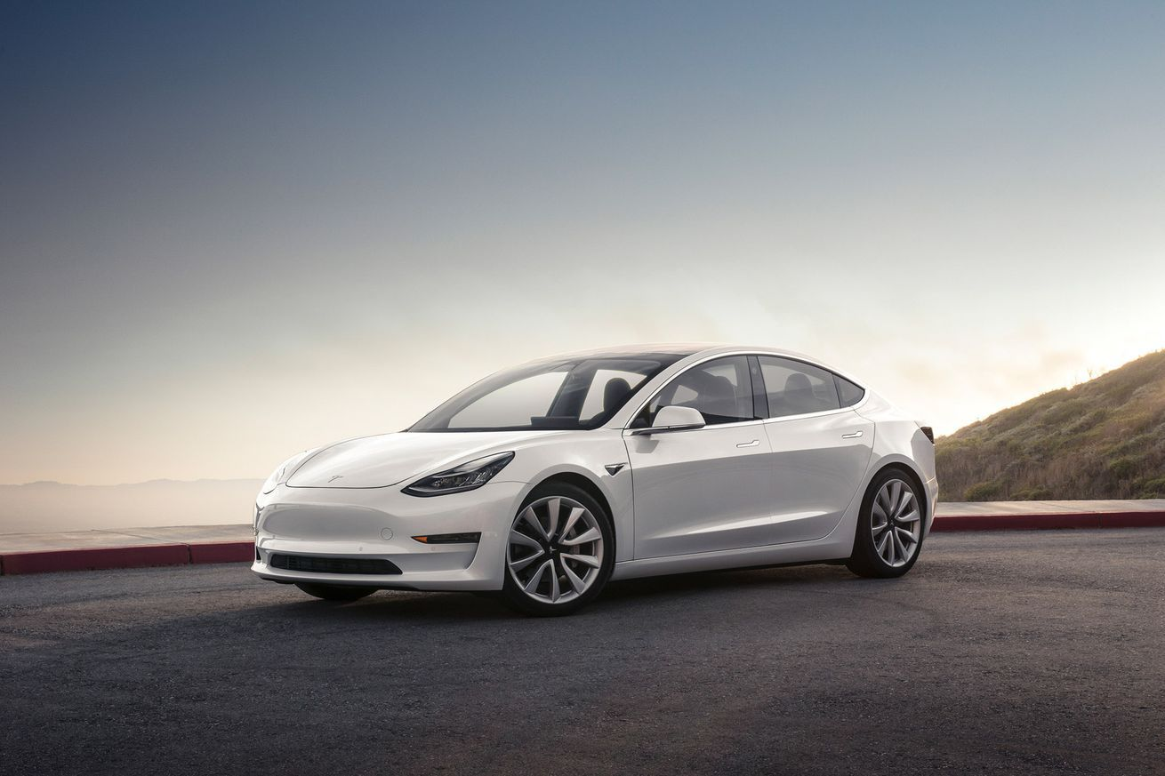 The Tesla Model 3 should have a headsup display Tesla