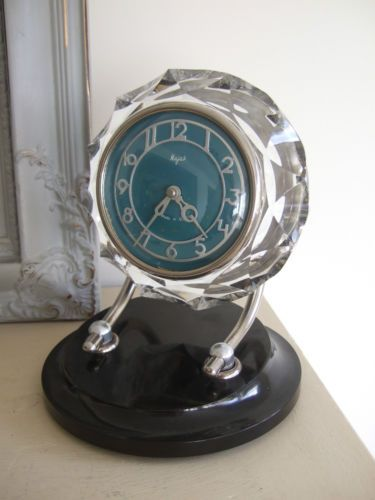 Fab VINTAGE USSR Russian MAJAK Lead Crystal GLASS & BAKELITE Desk Mantel CLOCK