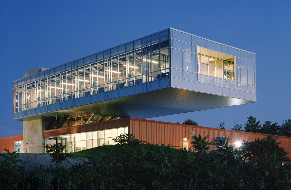 Lamar Corporate Headquarters, exterior steel, concrete and pre-engineered cantilever  buildings