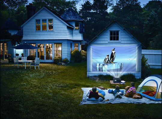 The Perfect Backyard Home Theater: Epson MovieMate 62