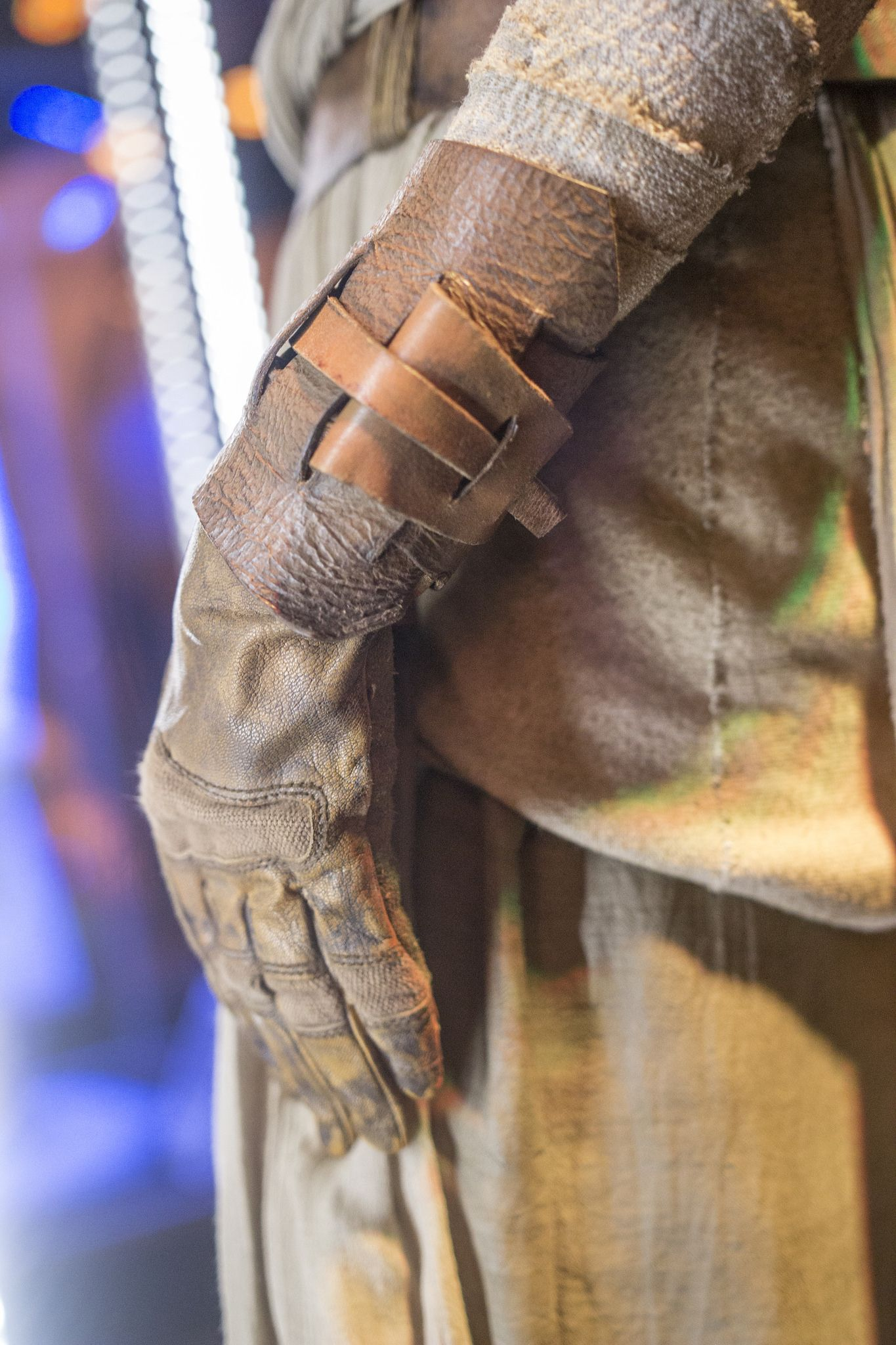 Rey Force Awakens - HQ Photo - Left Glove