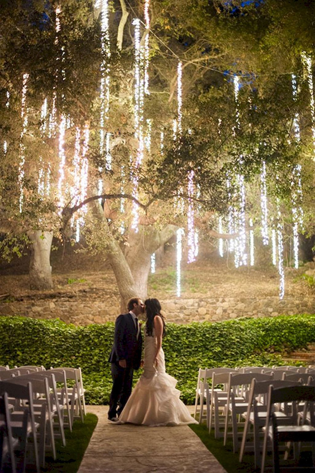 Wedding light decoration ideas   Elegant Outdoor Wedding Decor Ideas on A Budget  Possibility