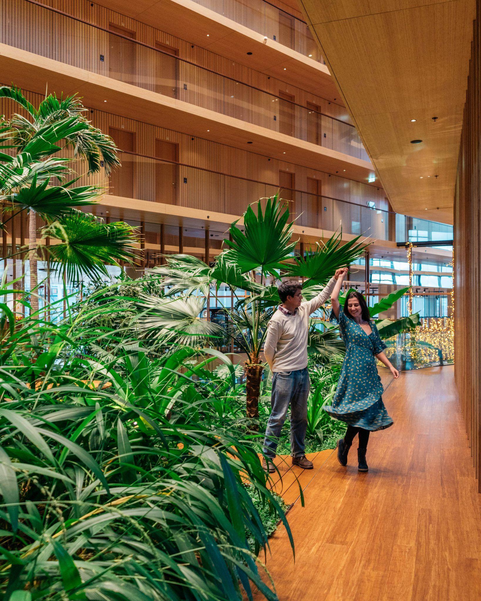 Sustainable Amsterdam_Jakarta hotel inside garden