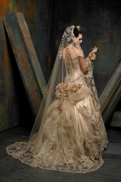 poisoned-apple:Saint Pucchi couture wedding dress