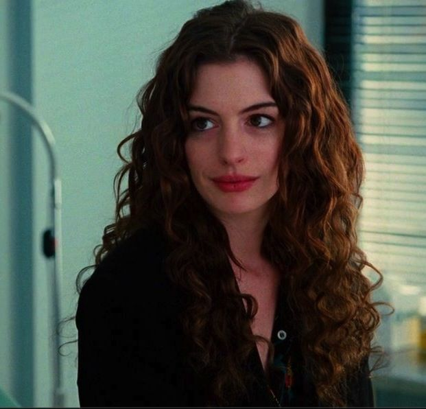 Love And Other Drugs Anne Hathaway Hair