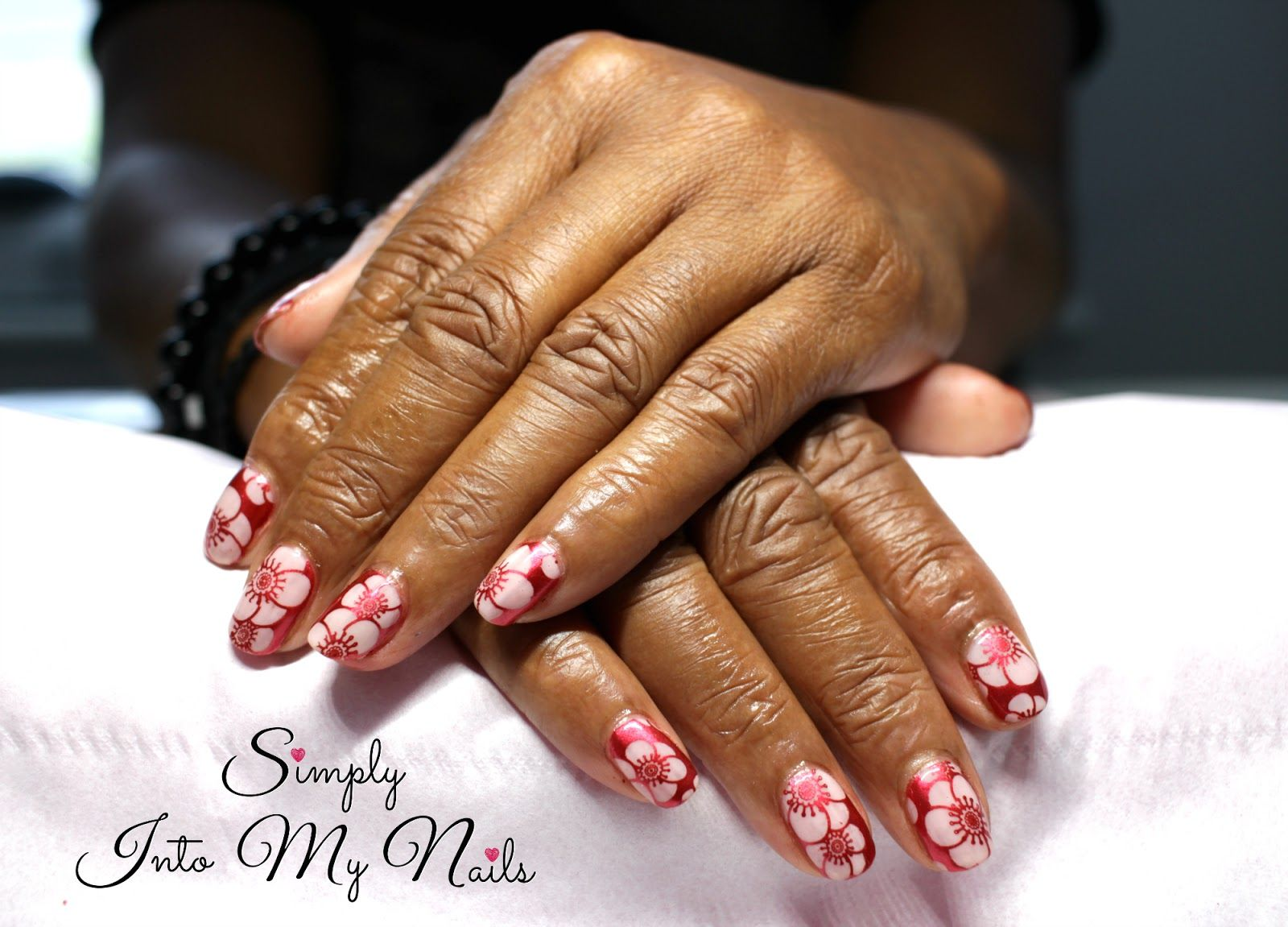 Pictures on Nails are beautifully and simply