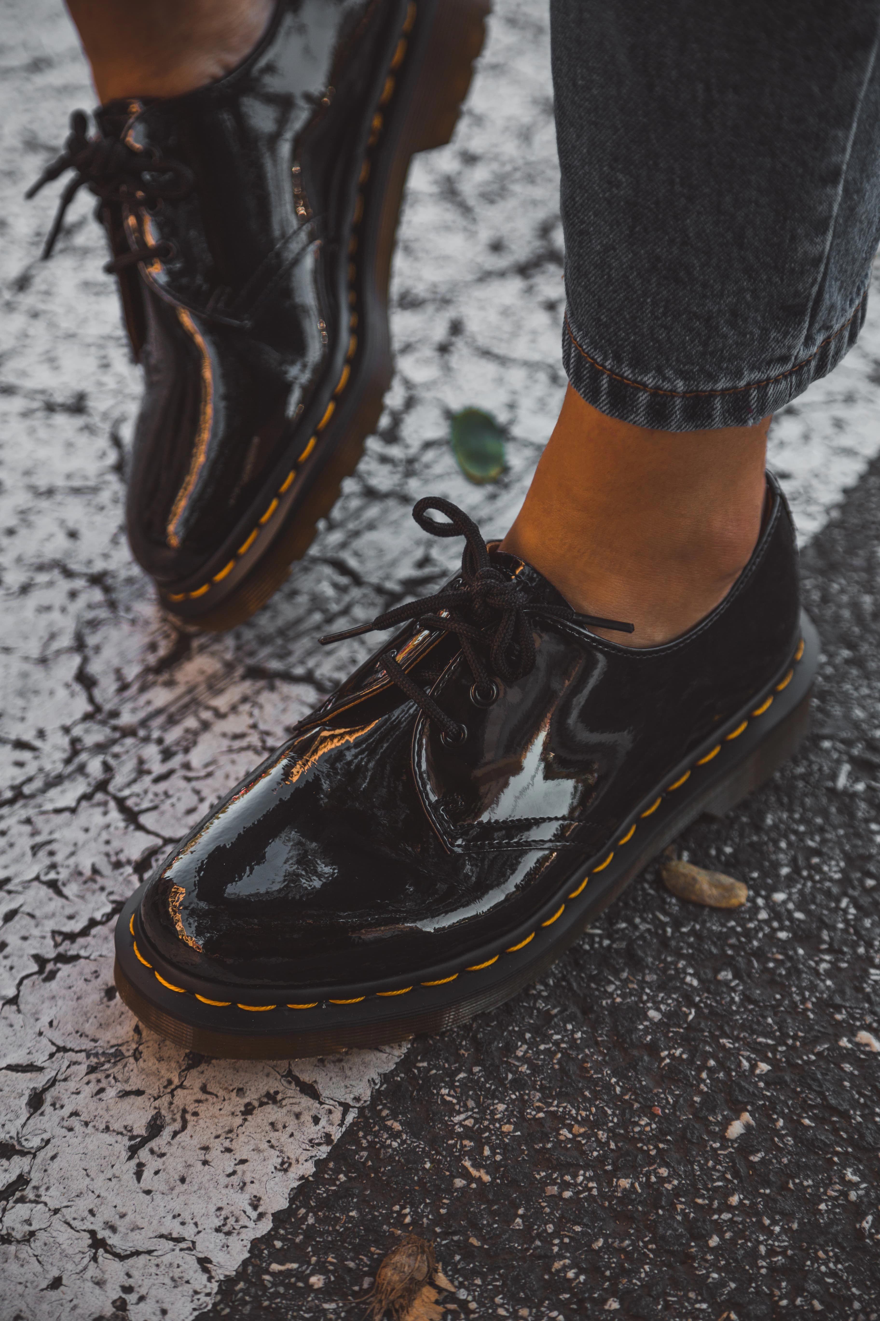 traje Turbulencia Portal  Buscas el zapato ideal para está temporada?⚡️ ¡No busques más! Encuentra en  Zapatos Mayka estás Dr. Mart… in 2020 | Dr martens shoes outfit, Dr martens  shoes, Outfit shoes