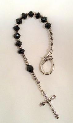 Personal Pocket Rosary in black #handmadejewelry #rosaryjewelry