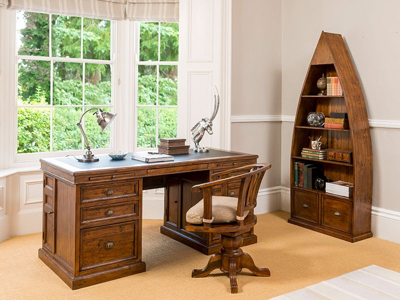 Oak Office Furniture Helps In Creating An Appealing Working