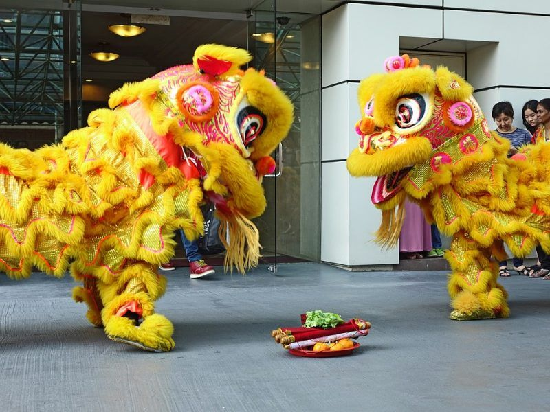 Why There Is Always A Lion Dance Every Chinese New Year With Images Mid Autumn Festival