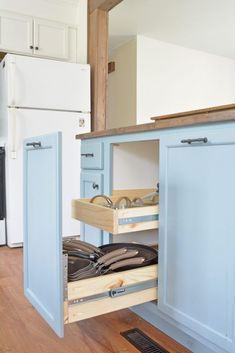 Kitchen Cabinet Organizers - Pots and Pans Storage. Grab the free plans from Bit... #cabinetorganizers Kitchen Cabinet Organizers - Pots and Pans Storage. Grab the free plans from Bit... ,  #cabinet #kitchen #organizers #plans #storage #cabinetorganizers