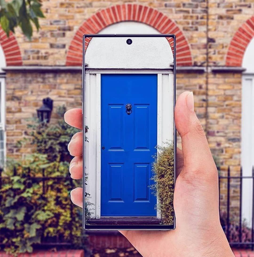 جلاكسي نوت ١٠ بلس عندما تكون الشاشة نقية و الكاميرا قويه تكون النتيجة مذهلة كما في الصورة Techno Offuture S Iphone Technology Electronic Products