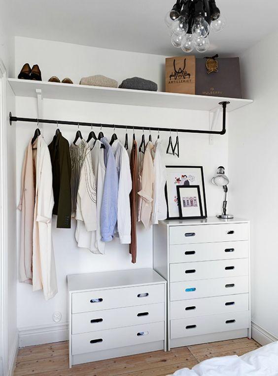 Kledingrek op kleine kamer - H O M E - B E D R O O M | Pinterest ...