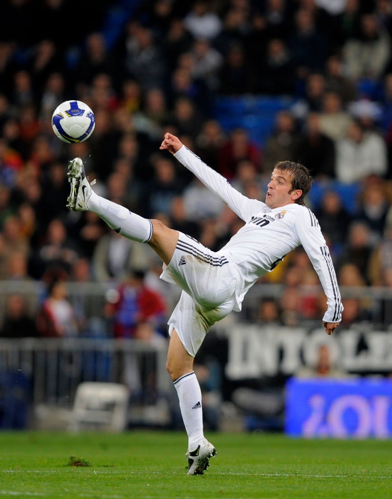 Rafael van der Vaart on Real Madrid ~  5a8553cb50358