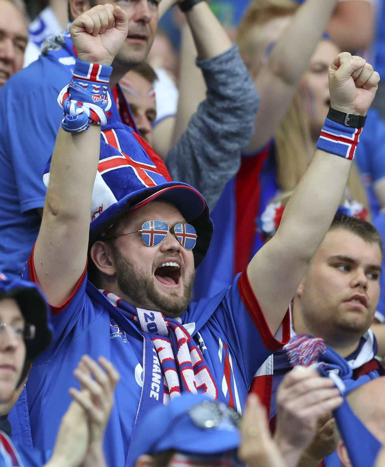 Iceland's fans cheer prior to the Euro 2016 quarterfinal soccer match between France and Iceland, at the Stade de France in Saint-Denis, north of Paris, France, Sunday, July 3, 2016. (AP Photo/Thibault Camus)/FP110/98178340903/1607032047