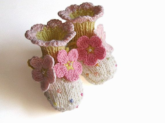 Baby booties/ knit baby booty / baby girls shoes / by MiaPiccina, $25.00