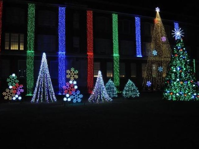 Nela Park Holiday Lights   Cleveland, OH