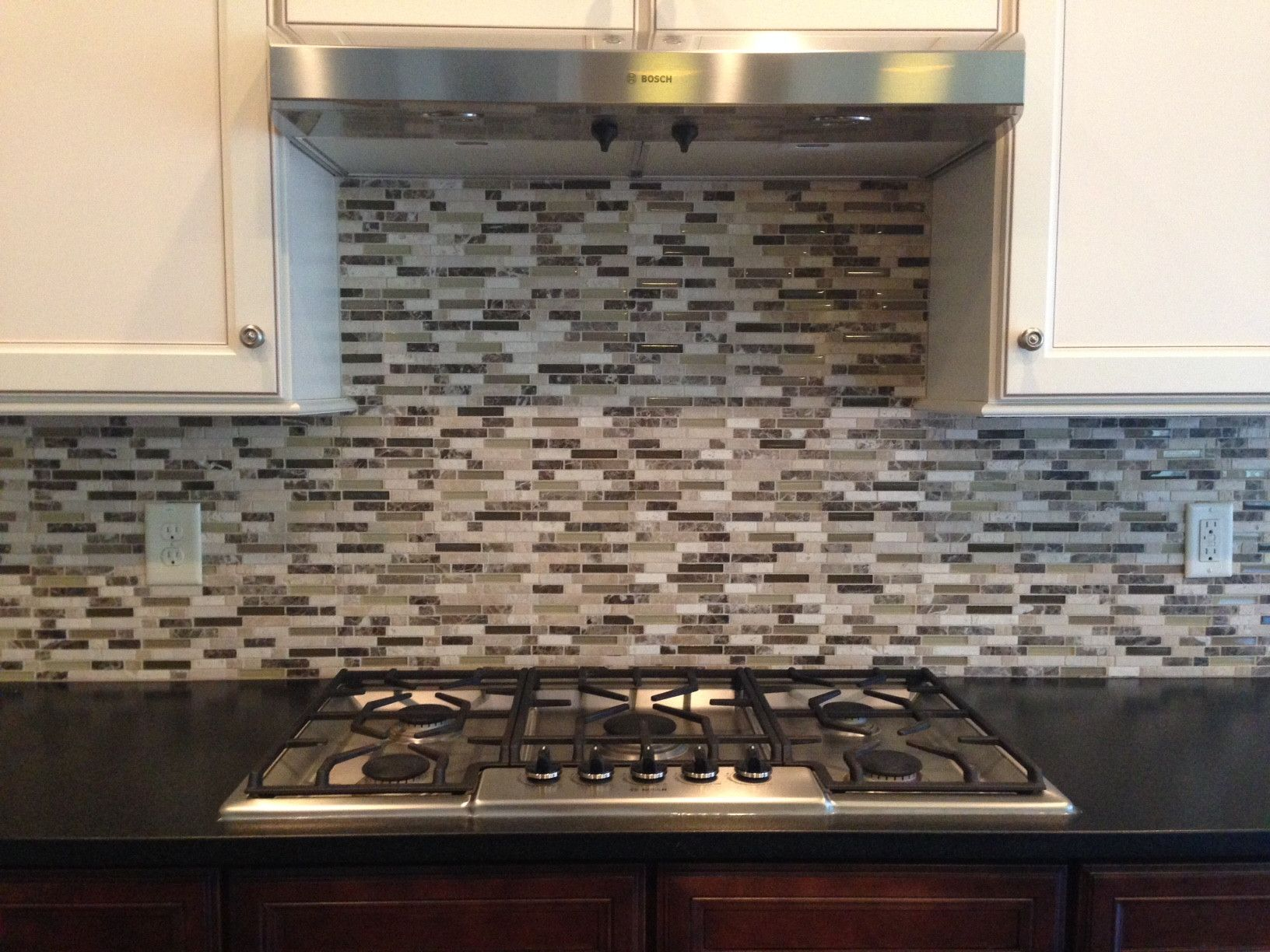 Replacing Kitchen Cabinets Without Removing Countertop In 2020 Modern Kitchen Tiles Modern Kitchen Tile Backsplash Kitchen Cabinets And Countertops